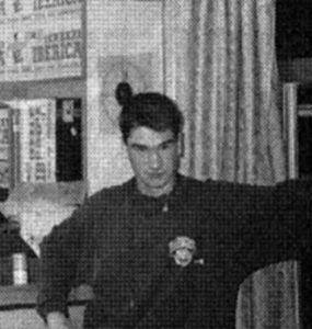Kase O Joven, año 1995 apunto de sacar sus maquetas Rompecabezas y Dos Rombos.